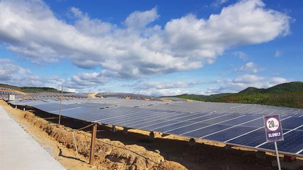Xử nghiêm vi phạm trong phát triển điện mặt trời