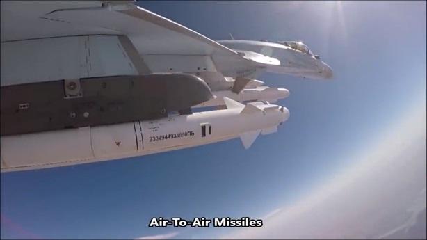 Pha tránh đòn mẫu mực của Su-35 Nga