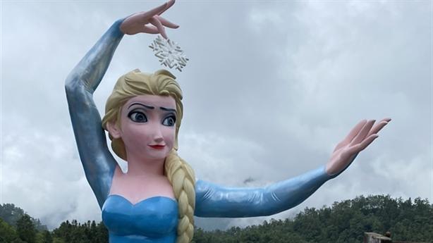 Dựng tượng Elsa ở Sa Pa: 'Tạo điểm chech-in hút khách'