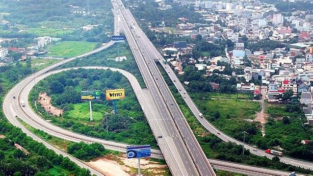 Phát hành trái phiếu DN để xây cao tốc: Đúng và chặt...