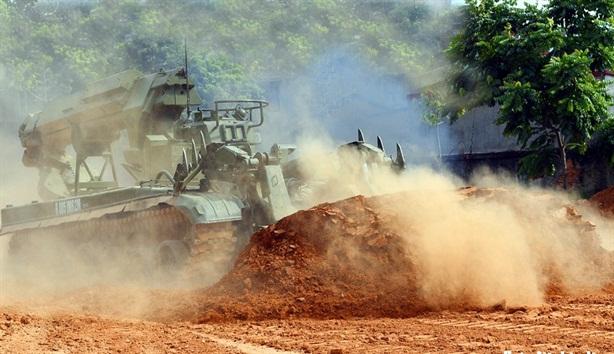 Xe công binh tối tân Việt Nam luyện tập cho Army Games