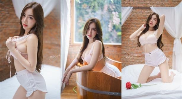 Hotgirl Thái Lan khiến dân tình xôn xao vì quá gợi cảm