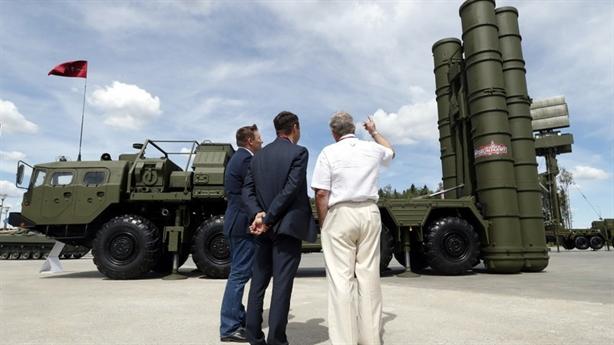 Nga-Saudi ký hiệp định dọn đường cho mua vũ khí