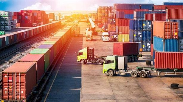 Mở cửa ngành vận tải cho nước ngoài: Hai mảng sáng, xám