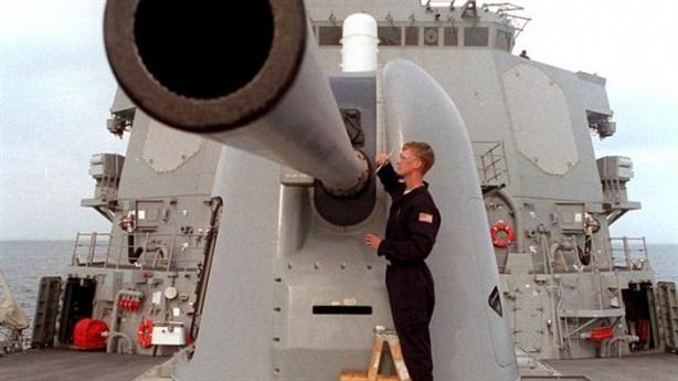 Chiến hạm Mỹ khoe vũ khí mạnh chỉ sau tên lửa