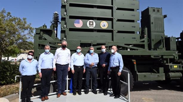 Chính quyền của Tổng thống Mỹ Biden đang có kế hoạch bán lại hoặc chuyển giao miễn phí cho Kiev những hệ thống đánh chặn Iron Dome Mỹ mua từ Israel.