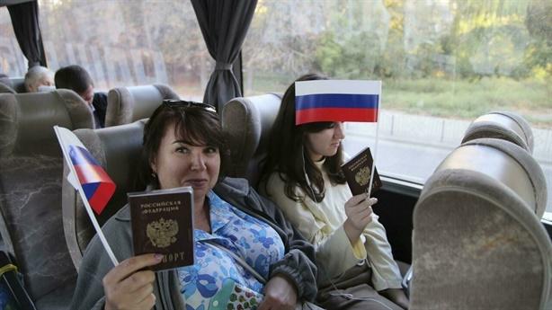 Ukraine trừng phạt người tổ chức bầu cử Nga?