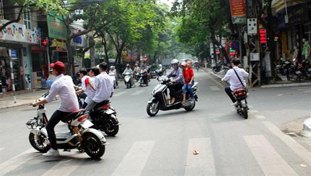Đề xuất tăng mạnh mức phạt vi phạm giao thông đường bộ