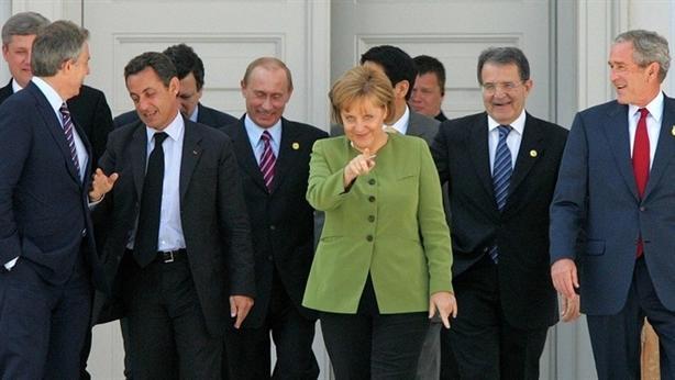 Bà Angela Merkel-Thành tựu đời người gói gọn trong 3 chữ
