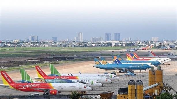 Hà Nội mở lại 2 đường bay tới TP.HCM và Đà Nẵng