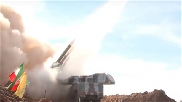 Iran lần đầu tấn công máy bay Israel trên đất Syria